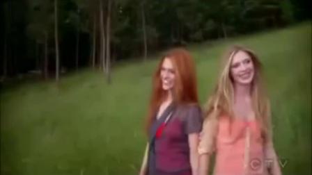 全美超模大赛第13季广告 - Nicole Fox & Laura Kirkpatrick CoverGirl罗拉 妮可