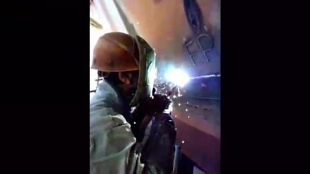 90后船厂女焊工,还是那么好看