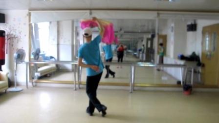舞蹈《出水莲》(背面)
