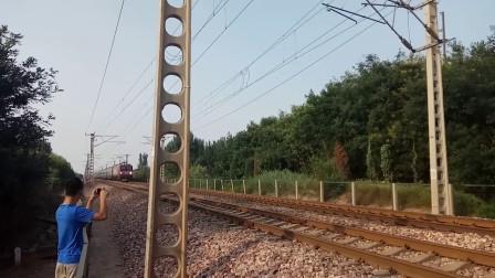 南南HXD3D0438牵引京九王牌直特Z59次(北京西-福州)高速通过