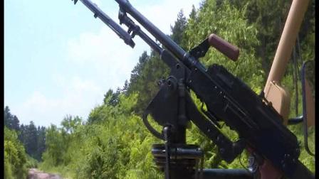 军用悍马款全地形车射击视频