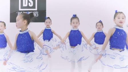 少儿舞蹈《梦想的列车》武汉单色舞蹈,少儿中国舞初级班学员展示舞蹈视频