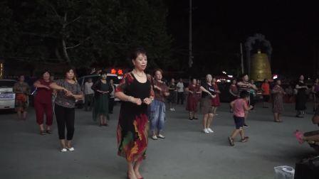 修武莉莉广场舞