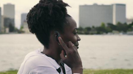 缤特力 Backbeat FIT 3100  蓝牙运动耳机产品特点视频演示