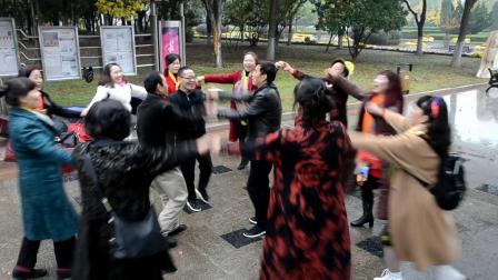 武汉十一中七八届三班同学毕业四十年庆典聚会