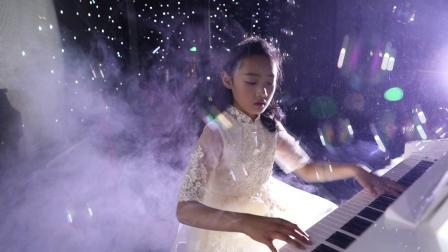 张磊&李娜为女儿张艺萱十二岁生日庆典