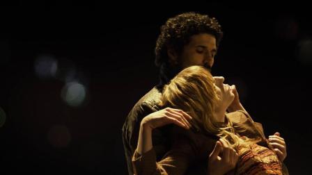 《晚秋》法式情调! 情侣演绎唯美双人舞,眼睛里满满都是爱呀