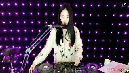 靓妹子DJvivi新音乐2019精选顶级中文串烧重低音美女现场打碟(7)