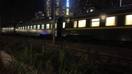 (南宁市园湖北路)Z9762次列车 北海→南宁(HXD3D 7001版)