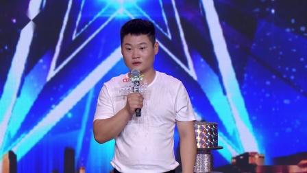 """杂技小伙刘敬雷要做""""晃管第一人"""" ,直言会活到老演到老"""