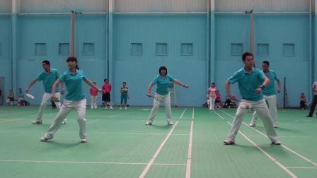 2012年全国柔力球培训班《济南》奥博隆教练集体展示飞龙五套《草原晨曲》