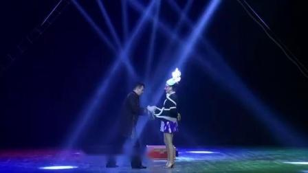 东欧魔术师的表演105