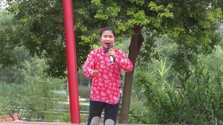 豫剧《红灯记》听奶奶讲革命,梨园春明星擂主纪媛媛演唱,郑州市东方艺术团雕塑公园公益演出