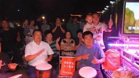 天津杨柳青非洲手鼓队广场纪念毛主席活动