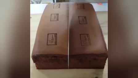 像大海绵式的巧克力蛋糕, 软嫩得仿佛都能挤出水