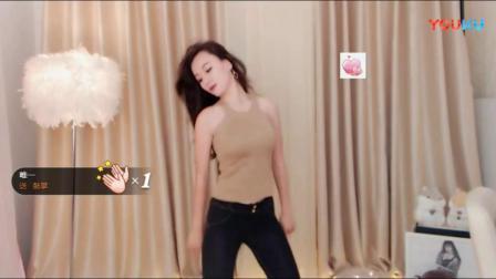 【乐翼美女热舞】03月09日女主播紧身自拍舞蹈橦