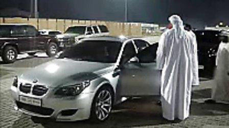 叼!实拍迪拜的富豪们和他的豪车!