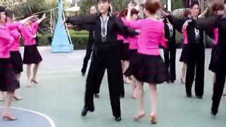 冷水江市布溪舞蹈培训:《集体舞休闲伦巴》