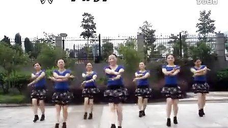 紫蝶踏歌广场舞《我的渴望》》百度搜索《gcwdq》了解更多