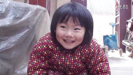 【拍客】22日起床后3岁女童愤怒不再相信传言