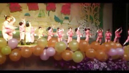 2012年青岛湖光山色幼儿园圣诞庆典活动之 腰鼓好日子