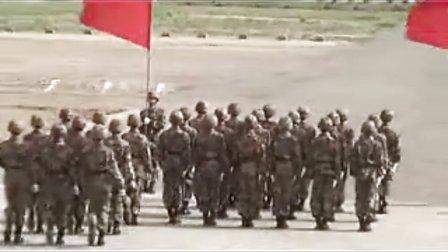 看看解放军的队列训练