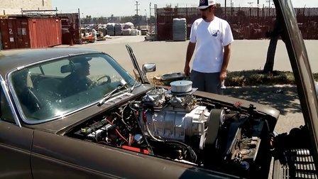 飞豹?70年代V12捷豹手工加装大尺寸机械增压器