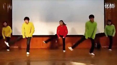 搞笑舞蹈 咋啦爸爸校园版 引全场尖叫