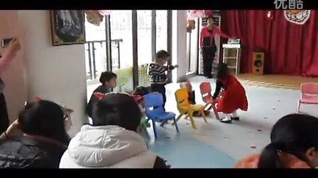 精婴早期教育圣诞舞会C班英语话剧《找朋友》