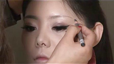 南京化妆培训教学视频_南京雅图化妆摄影美甲培训学校