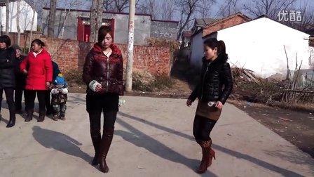 驻马店沈庄村-----双人舞《彩虹的微笑》