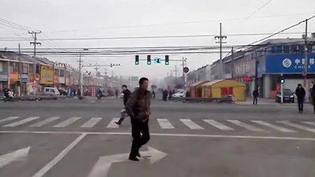 江苏省盐城市响水县运河乡204国道和308省道路口的红绿灯