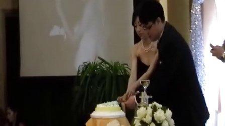 婚礼切蛋糕 张徐鑫