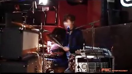 CNBLUE 姜敏赫 架子鼓演奏ALL LIVE录像