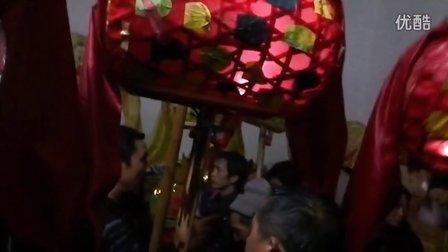 遂川三溪吴氏龙灯-店背打八仙1