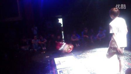 2013Free Style hainan街舞大赛十周年4进2 Lilyang vs 阿明