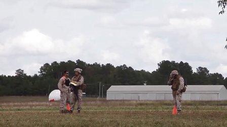 海军陆战队员和水兵的作战部署前的训练