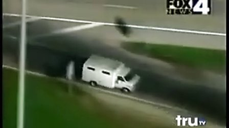 美国特警SWAT狂追无敌大卡车