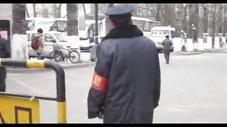 北京交通大学机电学院学雷锋活动采访在校保安