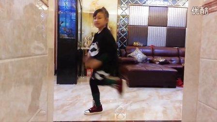 家里练习舞蹈  I'M YOUR GIRL