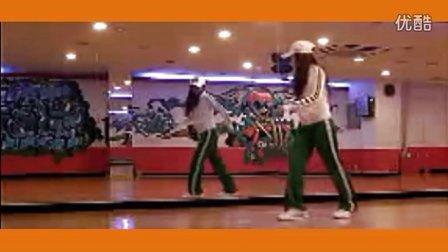 正大光明高清视频:韩国美女 鬼步舞教学演示