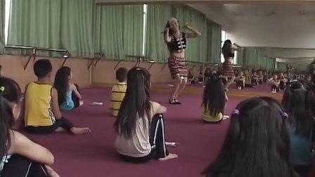 佤族人民唱新歌-昆明市盘龙区新迎二小 吴俊蓉