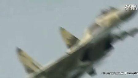 俄罗斯苏-35(901号机)飞行试验展示超强矢量推力