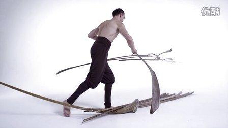 用鸿毛欺骗地球引力的人Tobias Hutzler -  《平衡》