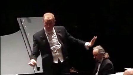 Carlo Pari plays Tchaikovsky