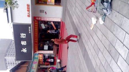 """高手在民间,南街的跳舞""""达人"""""""