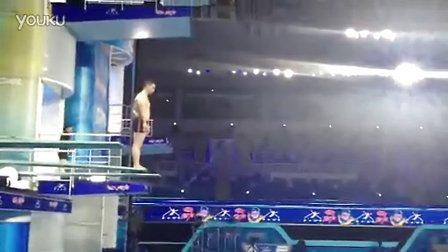 李小双《星跳水立方》练习跳水
