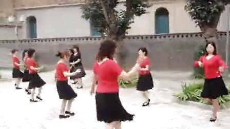巩义市广场舞《女人是老虎》(流畅)