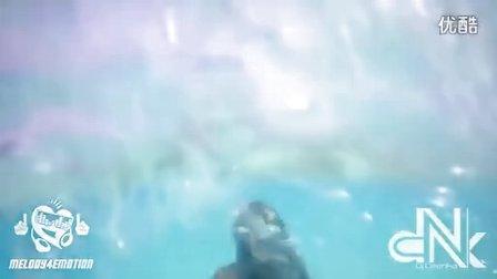 爆美火辣Model沙滩风骚演绎