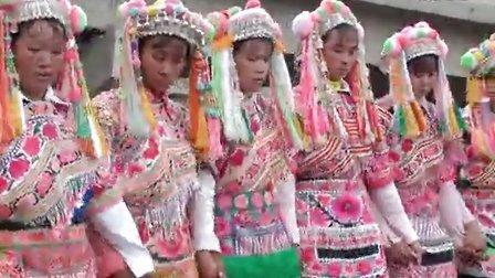 2012年武定县猫街镇半村委会中秋节左脚舞视频3